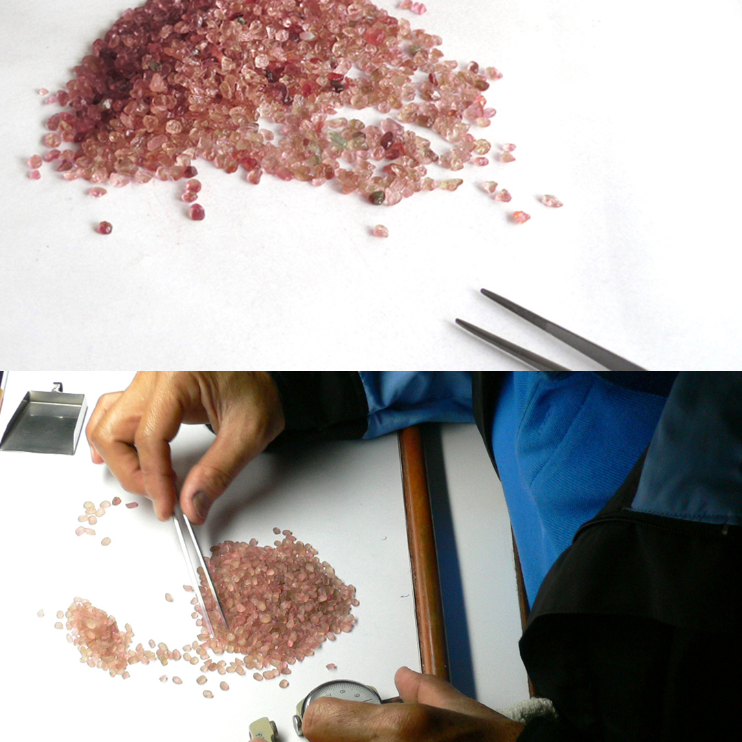 パパラチアサファイア K18/PTネックレス・アンhttps://bizoux-web.s3.ap-northeast-1.amazonaws.com/product/sapphire/padparadscha/anne/nk/jewel-2.jpg